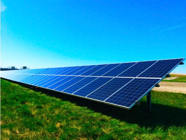 Discovery of the Photovoltaic Effect
