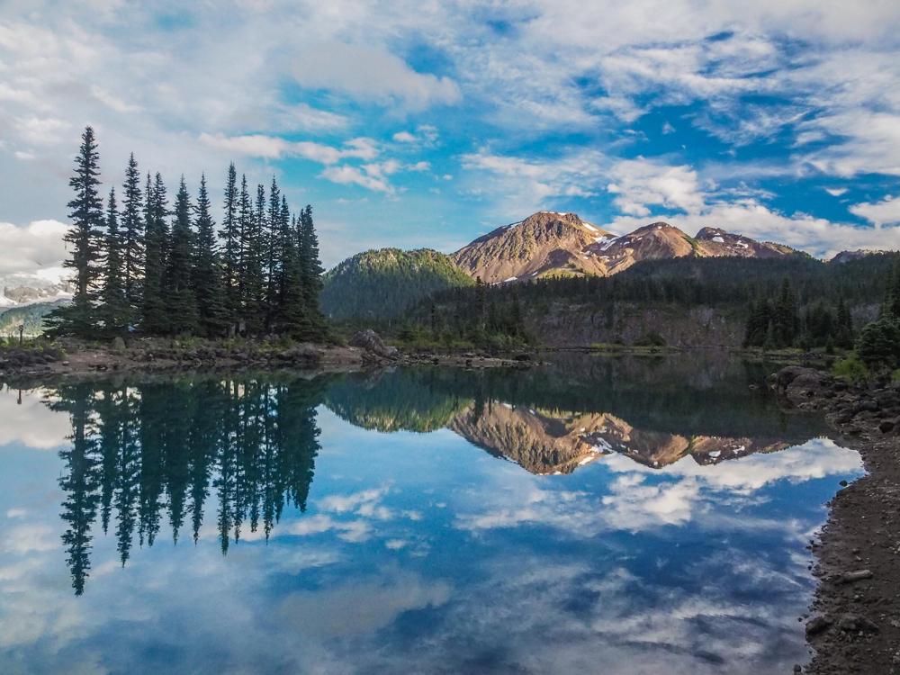 garibaldi lake in canada